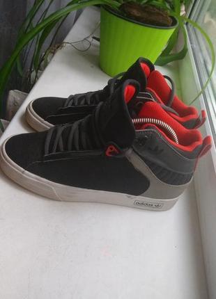 Кроссовки , сникерсы adidas размер 35
