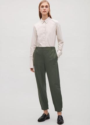 Шерсичные брюки дудочки цвета хаки высокая посадка cos p.38
