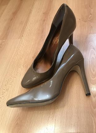 Лодочки туфли известного бренда