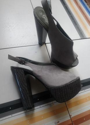 Босоножки туфли лодочки