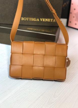 Кожаная женская сумка под bottega