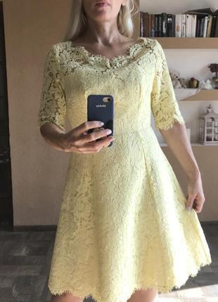 Кружевное жёлтое платье