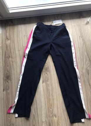 Стильные летние брюки с лампасами размер s-xs брюки абсолютно новые с биркой)