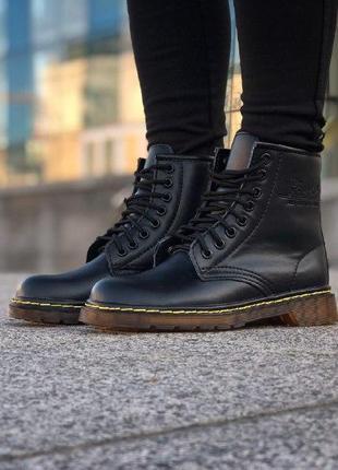 Шикарные женские зимние ботинки с мехом dr. martens