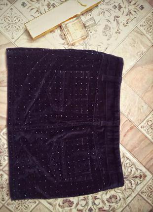 Шикарная юбка с черными стразами