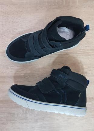 Оригинальные подростковые демисезонные ботинки ecco