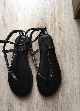 Босоножки чёрные низкий каблук оригинал брендовые новые