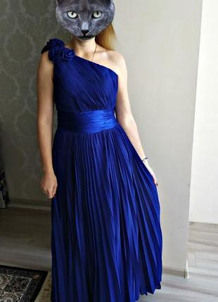 Вечернее плиссированное платье в пол на одно плечо м-.л