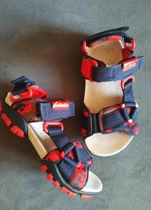 Босоножки трекинговие clarks ecco geox,босоніжки,сандали для мальчика