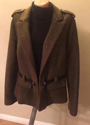 Классная куртка,пиджак,полупальто,шерсть.