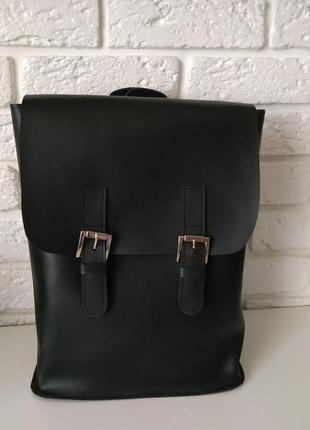 Вместительный рюкзак средний размер, экокожа