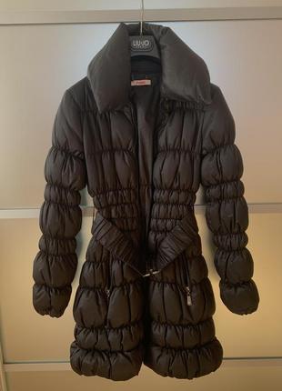 Зимнее стеганое пальто пуховик