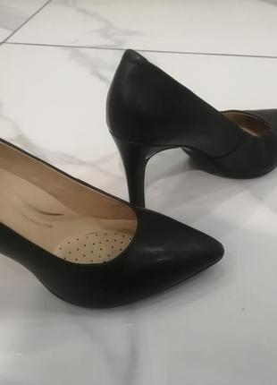 Шкіряні туфлі лодочки geox