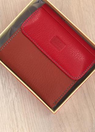 Кожаный кошелек для маленьких сумочек и клатчей.