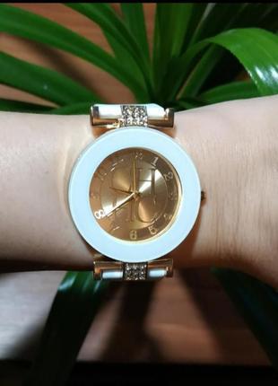 Часы женские кварцевые белые силикон тренд