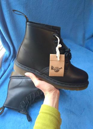 Продам новые фирменные оригинальные кожаные ботинки dr.martens распаковка с минимум