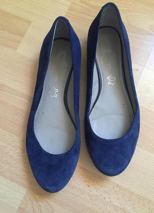 Замшевые туфли мокасины clarks