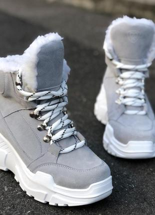 Зимние кроссовки на платформе из натуральной замши
