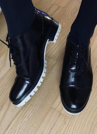 Туфли stefanel со шнурками оригинал кожаные чёрные осенние натуральная кожа 39 осень