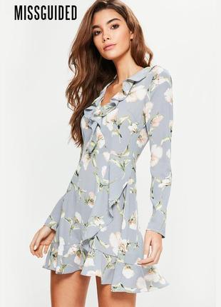 Новое платье с длинными рукавами в цветочный принт missguided