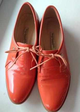Лаковые туфли, ботинки новые р. 39