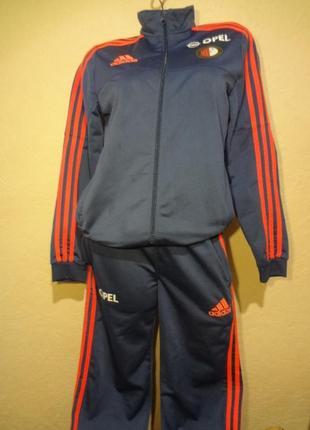 Ластиковый спортивный костюм adidas на мальчика 13-14 лет