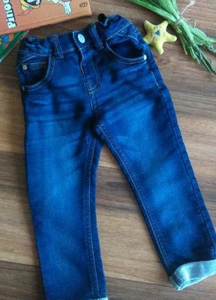 Модные джинсовые брючки,джинсы mothecare на1,5-2 года.