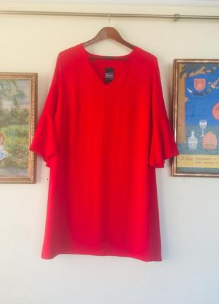 Нарядное красное платья фирмы papaya