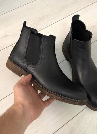Демисезонные мужские ботинки кожаные челси чёрные