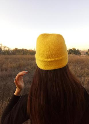 Вязаная шапка бини пух норки жёлтого цвета шапка ангора hand made
