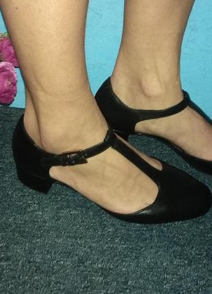 Кожаные туфли clarks cushion soft р 38