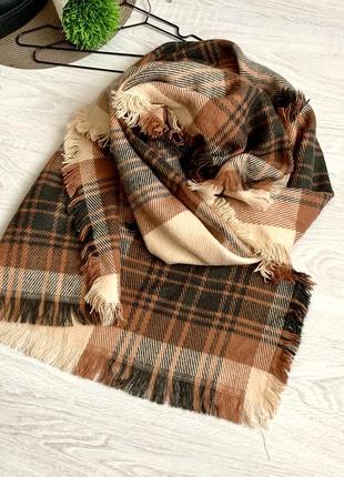 Тёплый объемный шарф в клетку