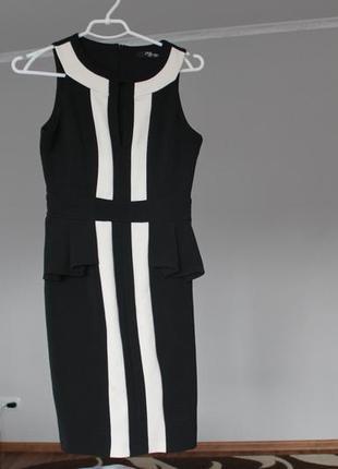 Чорне класичне плаття