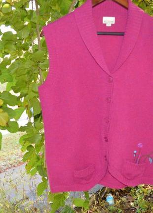 Красивый и тёплый жилет цвета фуксия фирмы brookshire (xl 42|50)