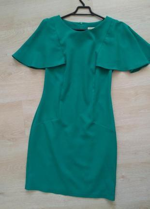 Зеленое платье изумрудное с воланами м размер