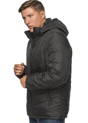 Зимняя куртка с капюшоном чёрный
