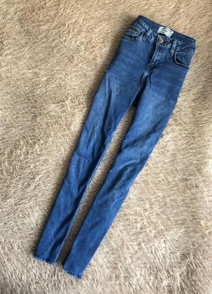 Крутые джинсы 🔥