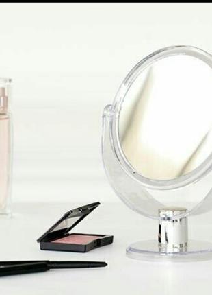 Двустороннее зеркало на подставке