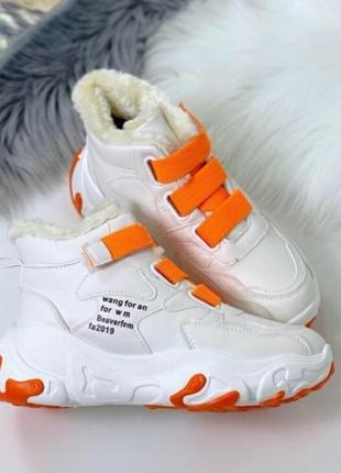 Женские кроссовки зимние с мехом на платформе ботинки на липучках