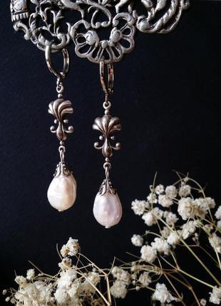 Жемчужные серебряные серьги с жемчугом и ракушкой
