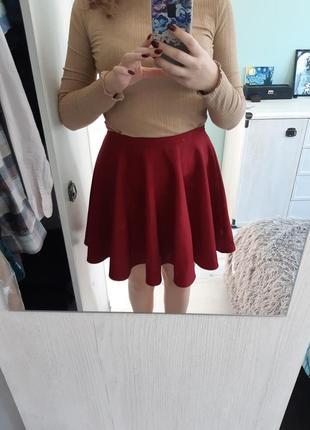 Трикотажная юбка бордового цвета