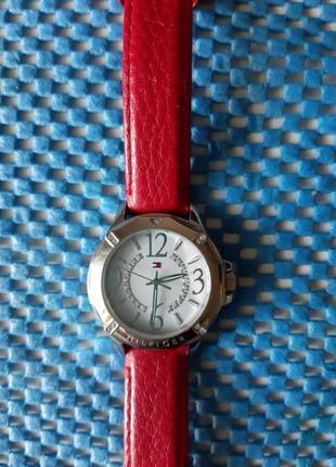 Часы hilfiger
