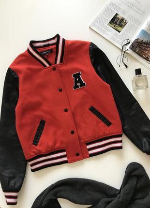 Красный тёплый бомбер / куртка