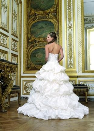 Шикарное свадебное платье myrtille коллекции miss kelly со шлейфом