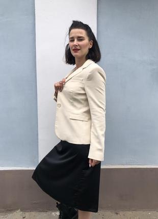 Пиджак нежно молочного цвета