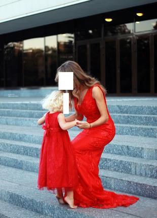 Длинное нарядное красное платье dilan quin со шлейфом