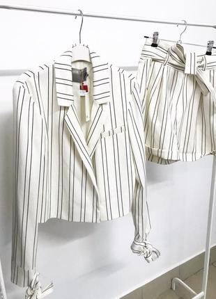 Новый с бирками с новых коллекций asos  костюм шортами
