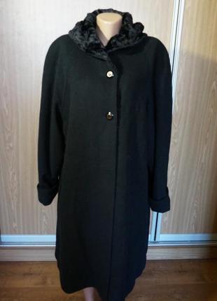Шикарное,теплое пальто на синтепоне