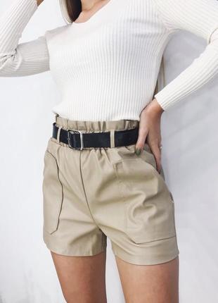 Красивые шорты из эко кожи