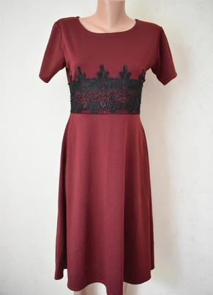 Новое красивое платье с кружевом